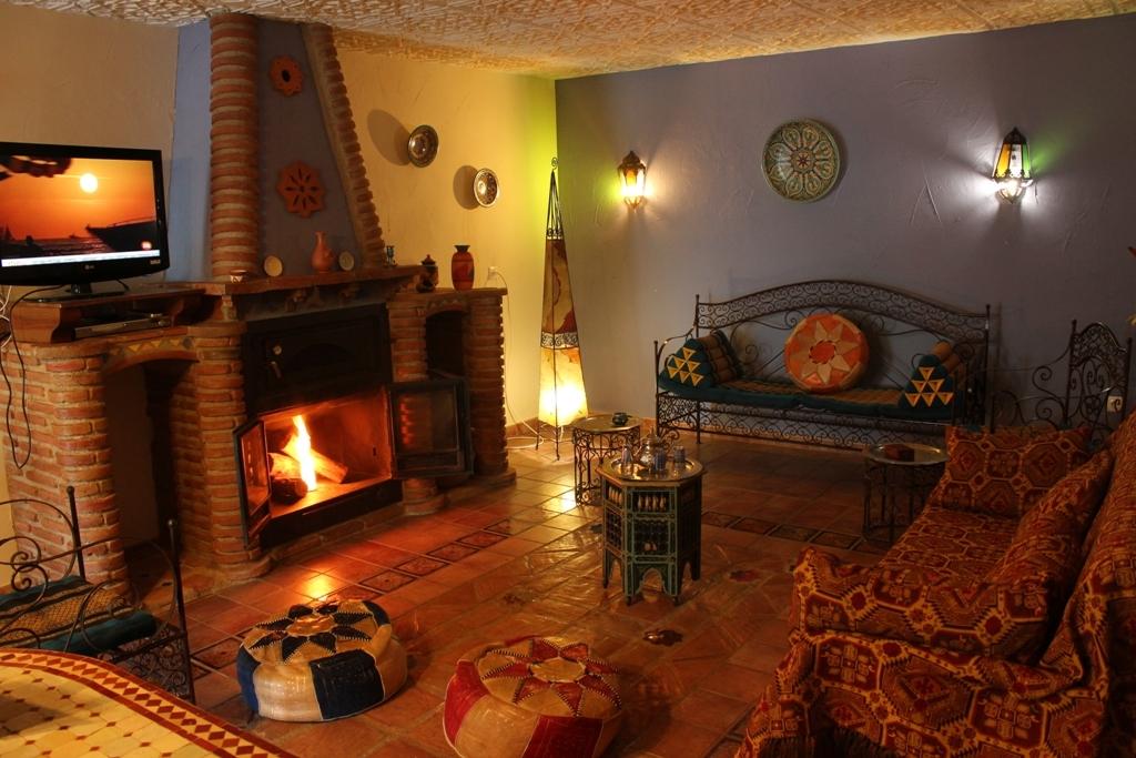 Casa nazar hinojares ruralcazorla - Salon con chimenea ...