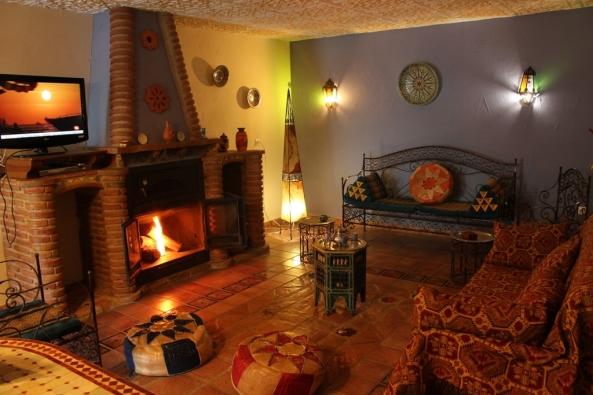 Salon con chimenea 2