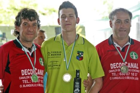 podium 1ª masculina campeonato andalucia bolo andaluz montaña CHILLUEVAR 2013 foto familia